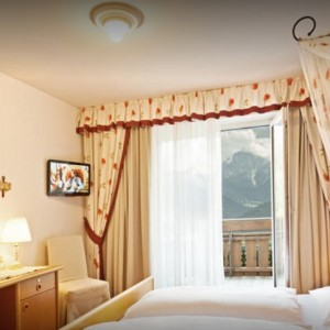 Christof Hotel